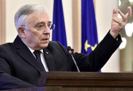 Digi24: Mugur Isărescu, guvernatorul BNR, acuzat de colaborare cu Securitatea