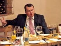 La pranz cu brokerul Grigore...