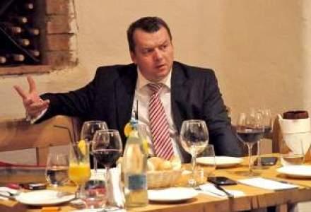 La pranz cu brokerul Grigore Chis: De la tranzactii cu banii de nunta, la sefia singurei case de brokeraj listata pe Bursa