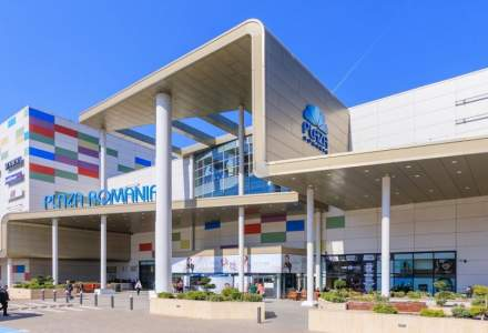 Aproximativ 99% din magazinele din centrele comerciale Bucureşti Mall-Vitan şi Plaza România s-au deschis