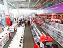 Altex redeschide magazinul...