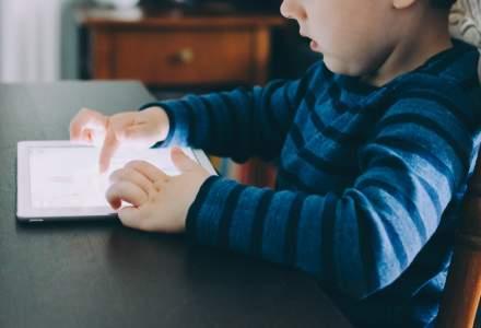 Ministerul Educației va da elevilor şi profesorilor tablete şi le va asigura accesul la Internet