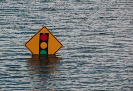 România sub ape | A fost emis cod roşu de inundaţii pe râuri din judeţele Alba, Mureş şi Sibiu