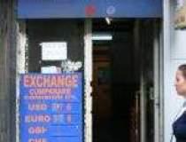 Cursul valutar mai sparge un...