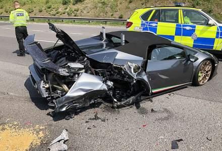 Lamborghini de 200.000 de lire, distrus la 20 de minute după ce a ieșit din showroom