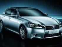 Noul Lexus GS 300h este...