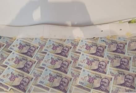 """Bani falși descoperiți de BNR: ce bancnote au încercat să concureze cu """"super-leul"""""""