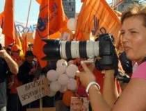 Contractul Ioanei Basescu cu...