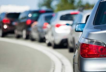 Circulaţie intensă pe DN 1 către Valea Prahovei; se aşteaptă valori mari ale traficului şi pe A2