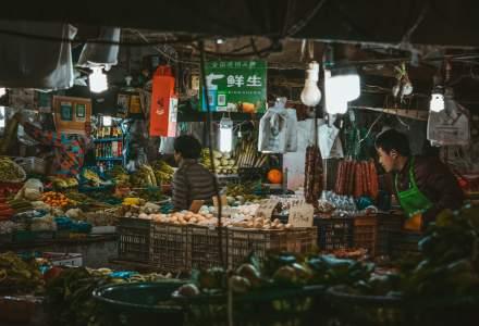 China va închide treptat toate piețele cu păsări vii