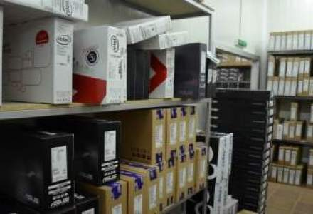 STUDIU: Romanii dau la fel de multi bani pe electronice ca pe parfumuri
