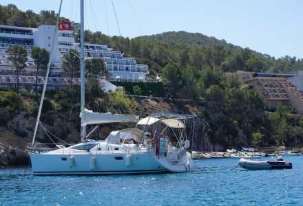 Vacanțe de lux, în Ibiza, pentru medicii din Europa