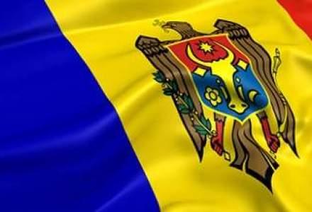 Mii de moldoveni au manifestat impotriva unui acord de asociere cu UE