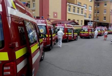 """Coadă de ambulanțe la Institutul de Boli Infecțioase """"Matei Balș"""" din București"""