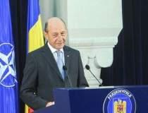 Basescu arunca bomba din...