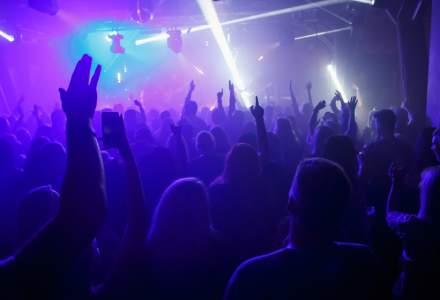 Cehia: 100 de noi cazuri COVID după o petrecere într-un club de noapte