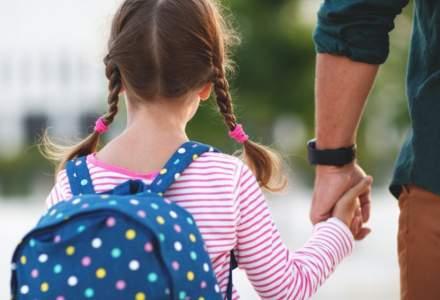 Vești pentru părinți: Alocațiile ar urma să crească cu 20%