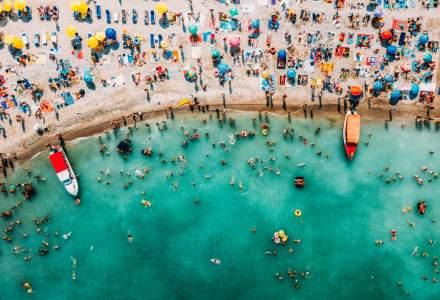 EXCLUSIV | Antreprenori din turism: Noile restricții sunt imposibil de aplicat pe litoralul românesc
