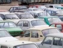 Parcarea masinilor pe...