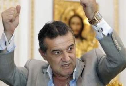 Gigi Becali ar putea fi angajat la Academia de fotbal patronata de Hagi