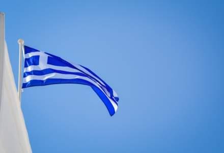 Doi români plecați în vacanță în Grecia au fost depistați cu COVID-19