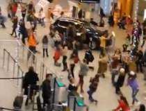 Flash mob la Aeroportul...