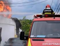 VIDEO Incendiu la stive de...