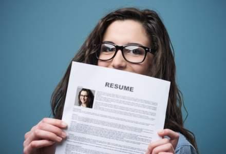 """BestJobs: Efervescență la """"vânătoarea"""" de joburi în iulie. IT-iștii au fost printre cei mai activi"""