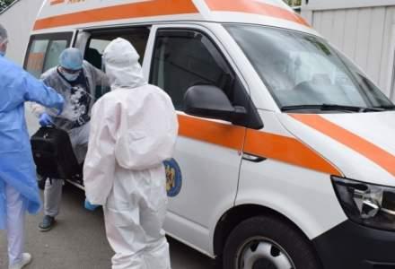 O ambulanță care transporta un pacient confirmat cu coronavirus a căzut de pe un pod în Gorj
