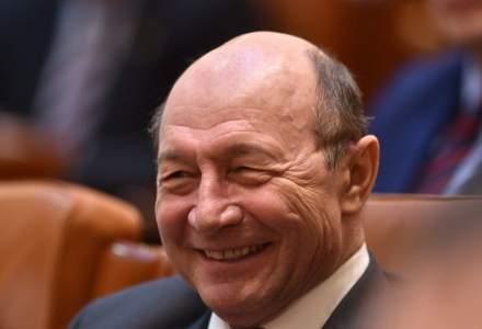 Băsescu: Fiecare pensionar este furat de către Guvernul PNL și fostul guvern PSD