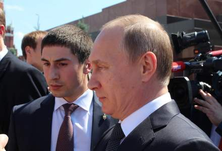 Rusia anunţă producerea primelor doze din vaccinului său împotriva COVID-19