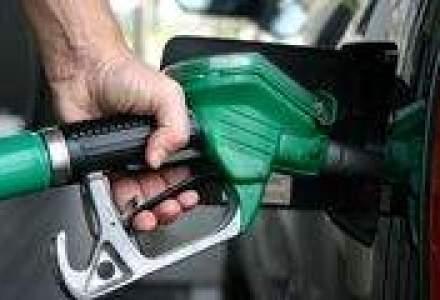 Benzina, mai scumpa cu 77 de bani de la inceputul anului