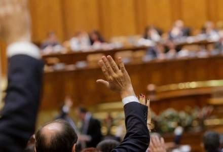 Ordonanța de urgență privind majorarea cu 20% a alocațiilor a fost respinsă în Comisia de Muncă a Camerei Deputaților