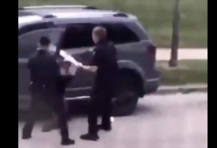 Proteste violente în SUA. Încă un bărbat de culoare a fost împușcat în spate de polițiști