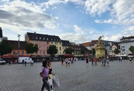 FOTO - Cum (nu) sunt respectate regulile de protecție într-un oraș din Germania