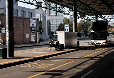 Un român beat a încercat să călătorească în Germania 300 de kilometri pe suporul de biciclete al unui autocar