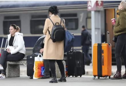 Elevii vor putea din nou să facă naveta cu trenul. CFR reintroduce în circulație trenurile către școli