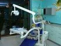 Dent Estet: Afaceri de 1,3...