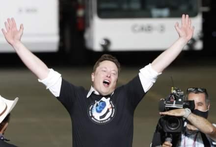 """Elon Musk a depășit din nou barierele științei. Miliardarul a prezentat """"cyberporc-ul"""", cu un cip implantat în creier"""