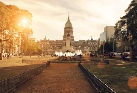 Argentina evită la limită falimentul