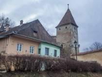 Turnul si Bastionul...