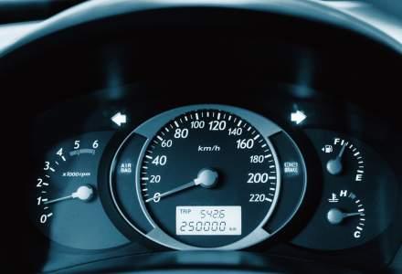 Verificare istoric auto gratis. Cum poți afla câți kilometri reali are mașina
