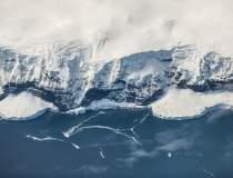 Zbor deasupra Polului Sud, o...