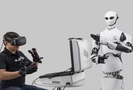 Cum arată robotul de 2 metri care aranjează produsele pe rafturi