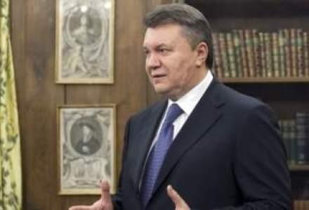 Viktor Ianukovici a aprobat demisia Guvernului Ucrainei