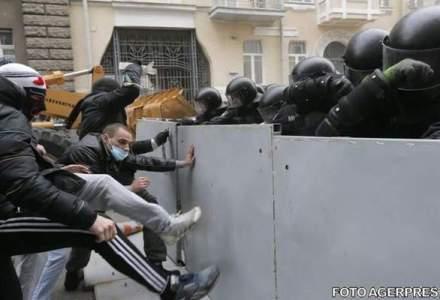 Canada a impus interdictii de calatorie liderilor ucrainieni