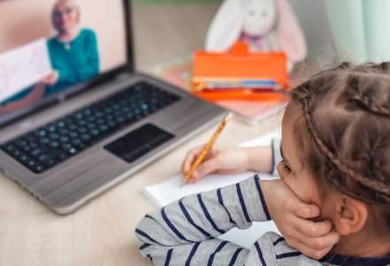 Școala în pandemie: părinții ar putea primi zile libere în cazul suspendării cursurilor