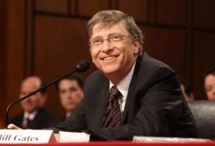 """Bill Gates face """"un pas in fata"""" in Microsoft, alaturi de noul CEO, Satya Nadella"""