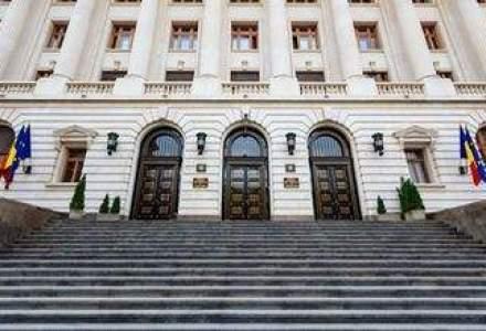BNR da noi semnale pentru ieftinirea creditelor, dar bancherii uita cu greu de vechile obiceiuri