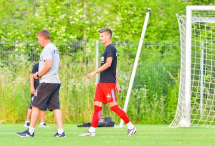 Niciunul din cei 13 jucători ai FCSB nu a scăpat de Covid-19